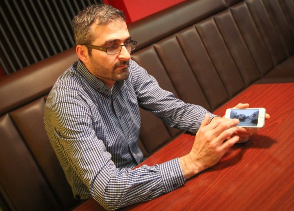 Der Trierer Gastronom Mehmet Kirisikoglu unternimmt und riskiert viel, um seinen syrischen Landsleuten in Flüchtlingslagern in der Region Rojava zu helfen. Foto: Daniel Prediger