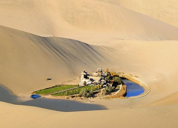 HA Schult Yueya Quan-Gobi Desert 3_k